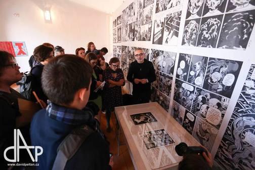 Tlumočení na literárním festivalu Tabook - výstava komiksů Davida B.